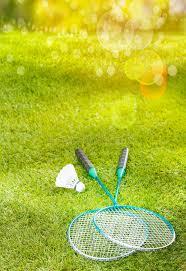 raquette sur herbe